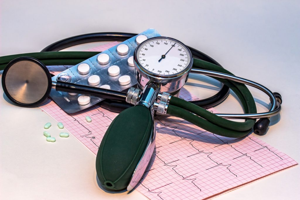 blood-pressure-monitor-1952924_1920